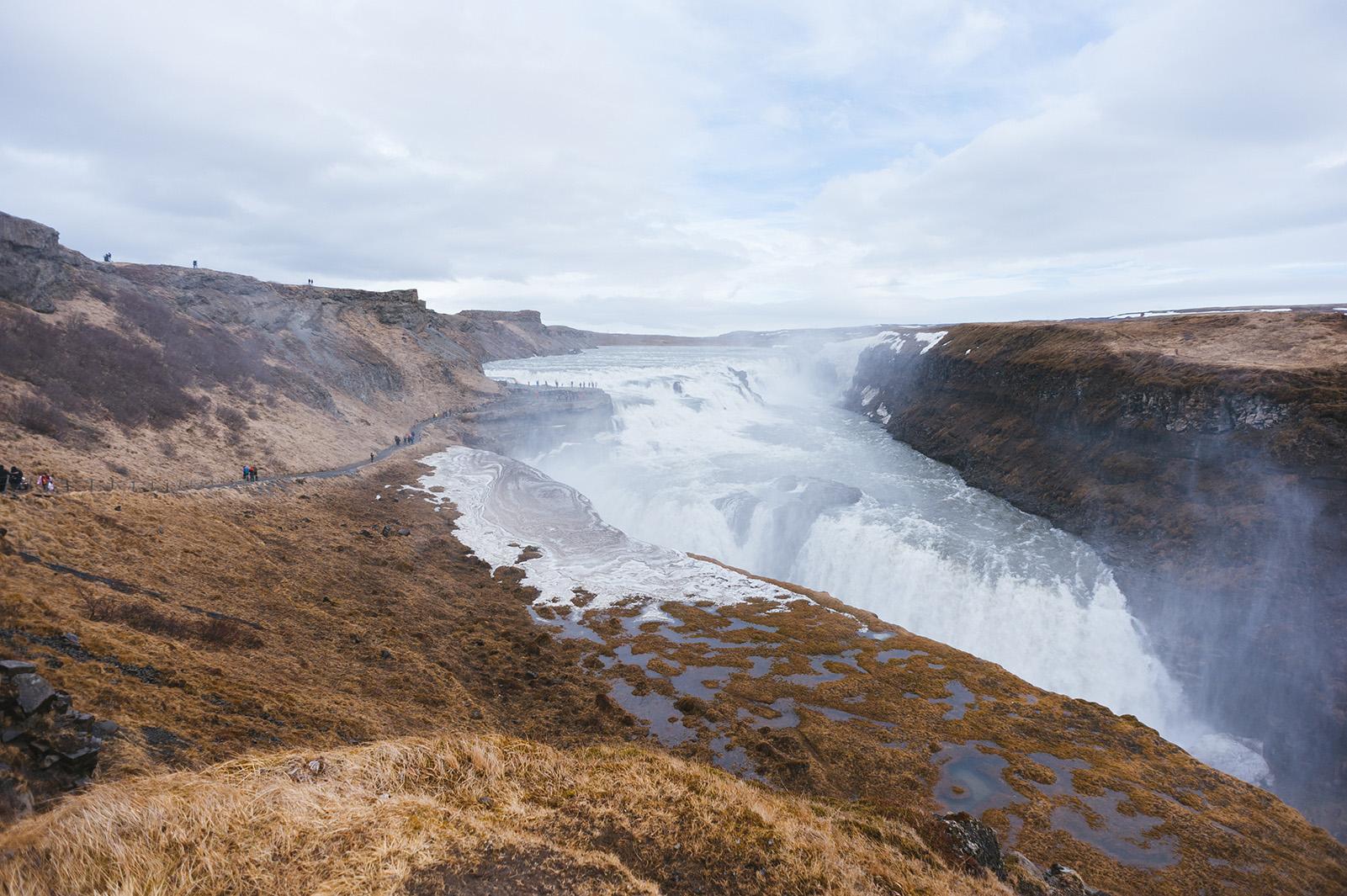 Gullfoss - золотой водопад, один из самых красивых в Исландии. Находится на севере долины Haukadalur.