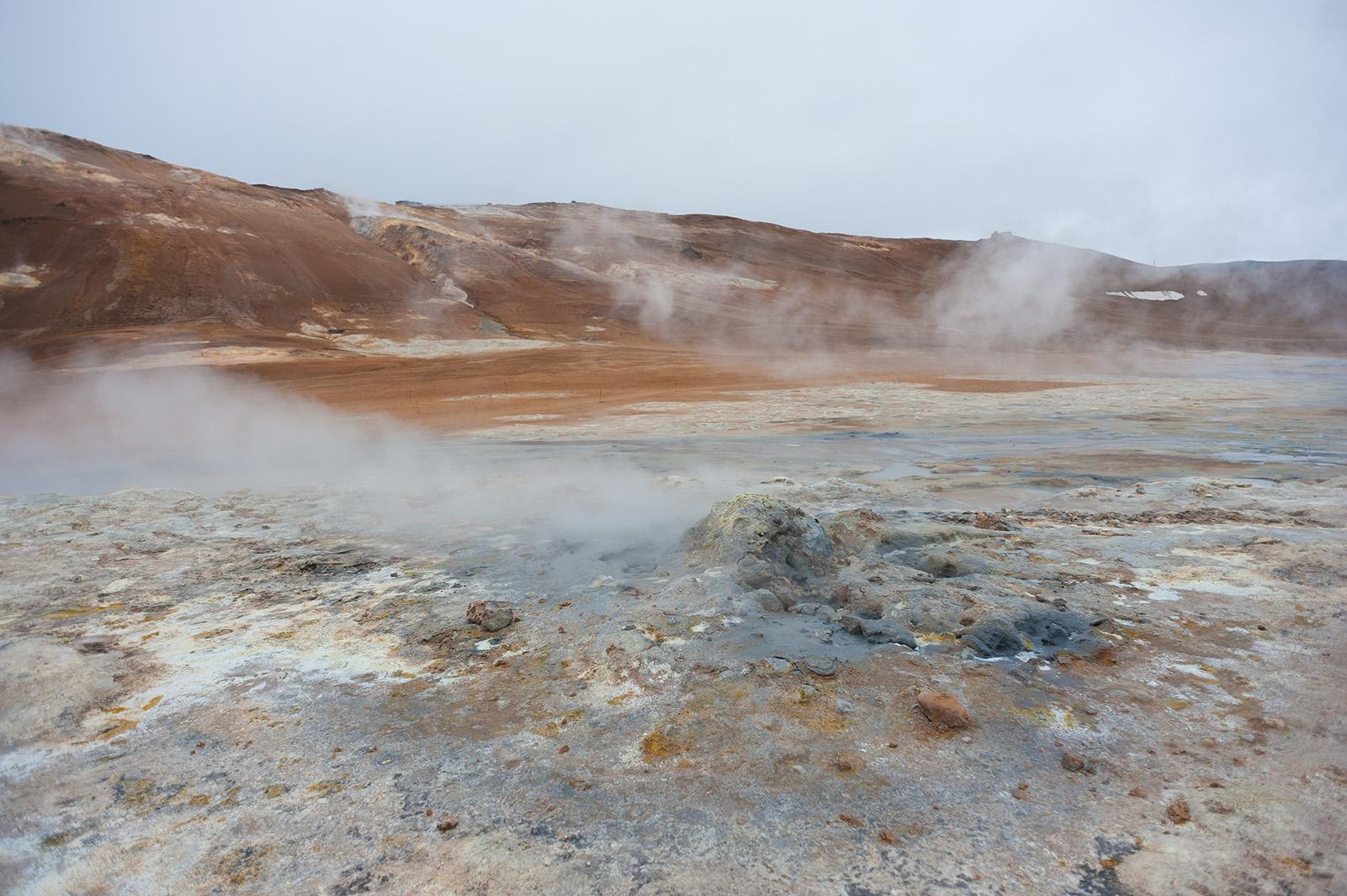 Námafjall - геотермальная зона.
