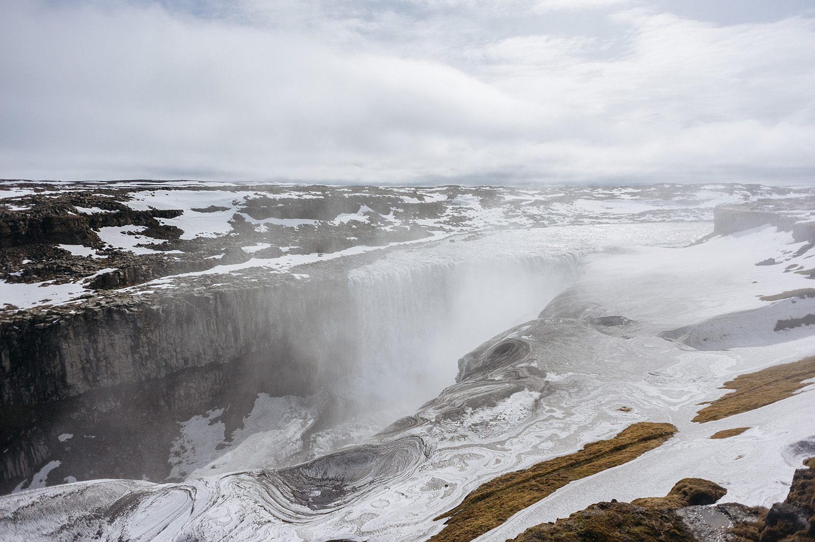 Dettifoss - самый мощный водопад Европы.