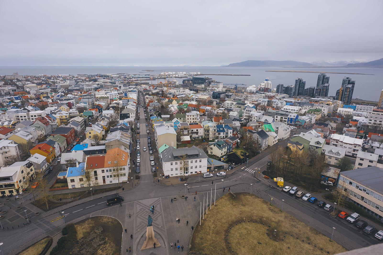 Hallgrimskirkja, Reykjavik. Вид на город со смотровой площадки церкви.