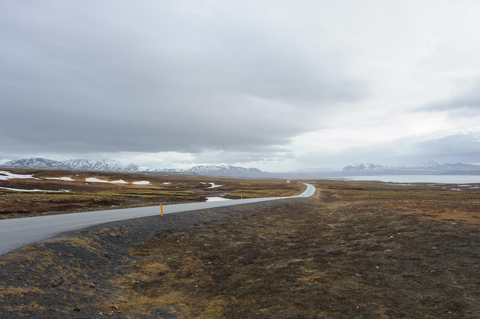 Þjóðvegur 1 или Окружная дорога - главная транспортная артерия Исландии. Такой туристический маршрут длиной в 1339км.