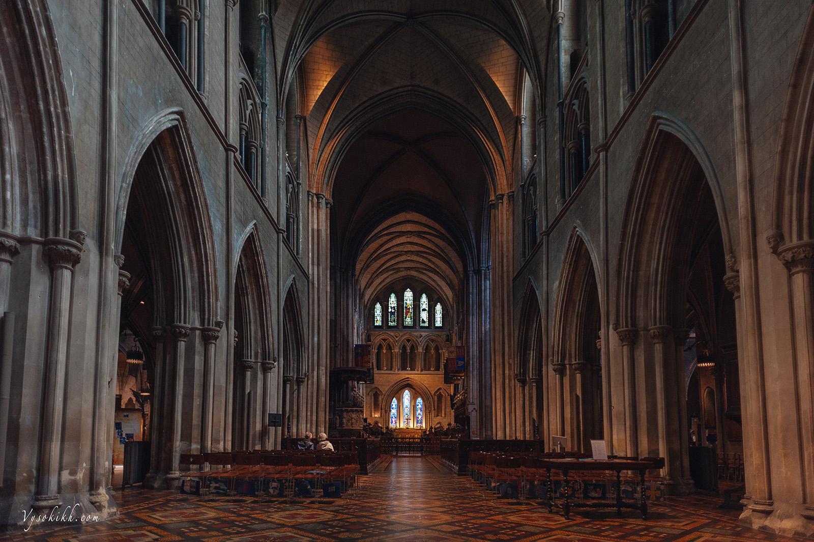 Saint Patrick's Cathedral (Árd Eaglais Naomh Pádraig)  - Собор Святого Патрика, возможно, не столь примечателен снаружи, но очень красивый внутри.