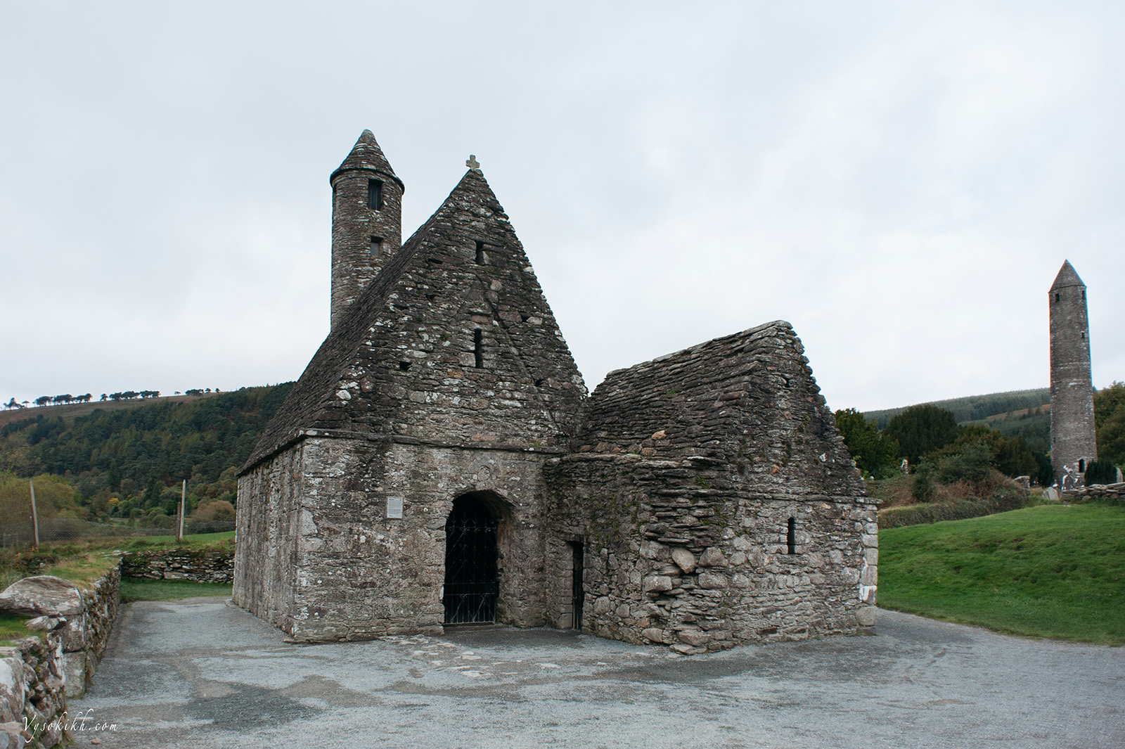 Glendalough - монастырь основан в шестом веке.
