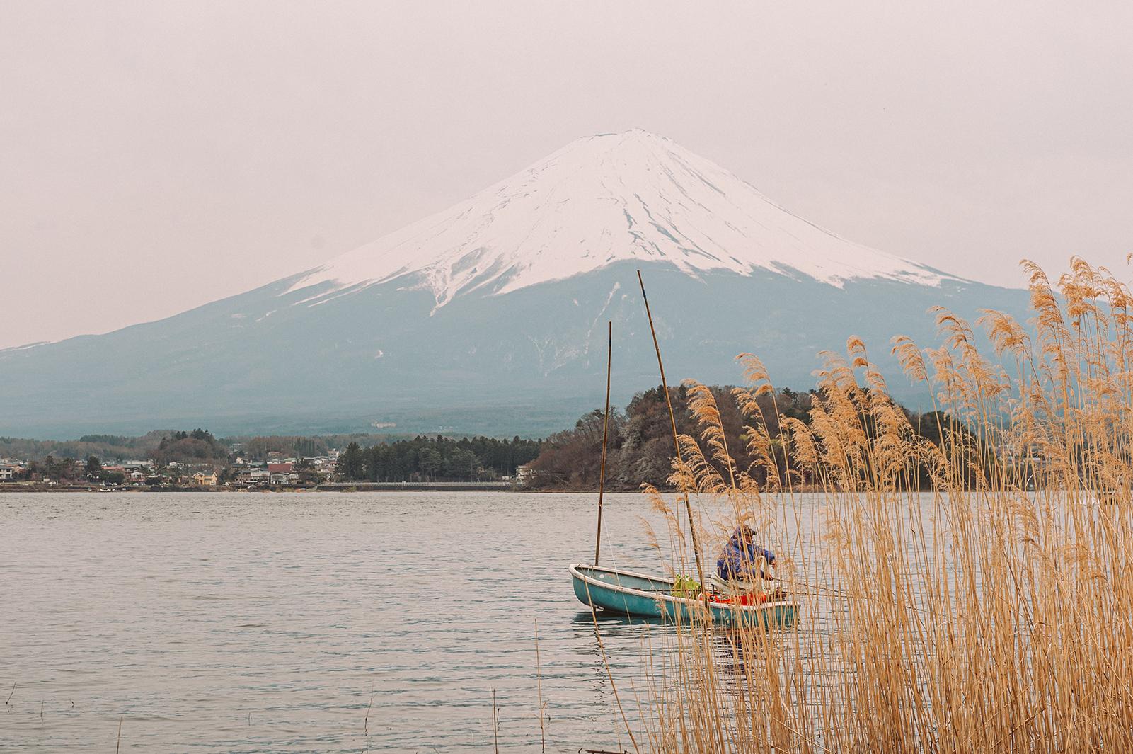 Самая узнаваемая гора - Фуджи-сан
